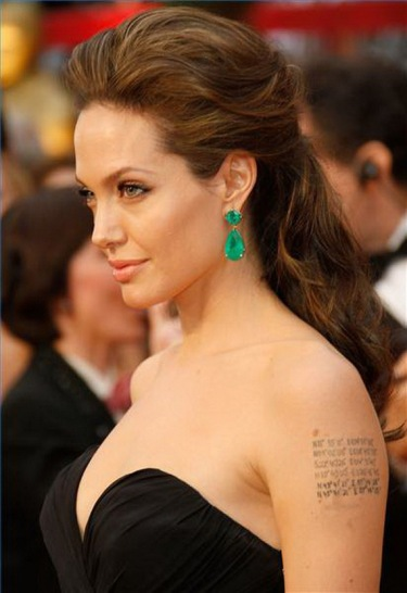 Red-Carpet-Angelina-Jolie-Hairstyles