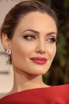 Angelina red lips